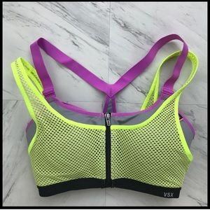VS SPORT KNOCKOUT BRA NEVER WORN